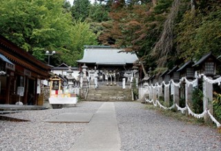 南湖神社参道