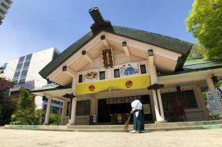 善知鳥神社の拝殿