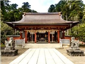 志波彦神社拝殿